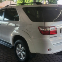 2011 Toyota Fortuner 4.0 V6 A\T