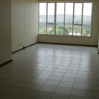 Lovely 3 bedrooms with 1 1/2 bathrooms VIEWS over Pretoria