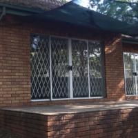 2 Bedroom Garden Flat rental: Irene - R7 500 (Nov 2016)