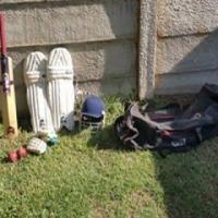 Gm cricket kit met peruist 3ster bat