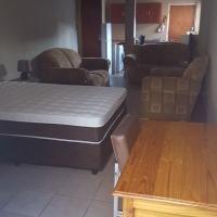 Bachelar Garden Flat to rent
