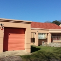 Spacious 4 bedroom family home for rent in Mindalore Krugersdorp