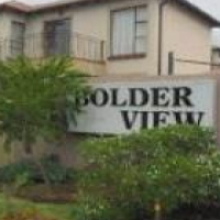 SECTIONAL TITLE, BOLDERVIEW, RISANA, JHB SOUTH FOR SALE
