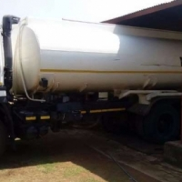 Nissan Water tanker CW 350 ADE 442 Truck