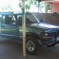 mooi jeep met lexus v8 in mooi kondiesie