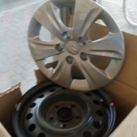 Hyundie elantra 2013 staal rims met wheelcaps