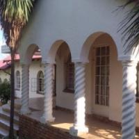 Attractive 3-bed + study house in Van Riebeeckpark