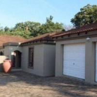 Southbroom, near Margate on KZN South Coast: own flat, near golf course, pet friendly