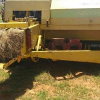 New Holland NEW HOLLAND BALER 940