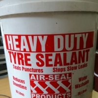heavy duty water soluble tyre sealent with pump