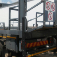 Extremely neat double axle flat deck trailer up for grabs