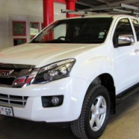 2015 Isuzu KB300 D-TEQ LX (103kw) Extended cab with Canopy, White, 15 000km, R339 900