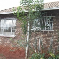 Perfect 3 bedroom House in Roodekrans.