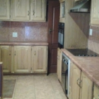 Full Kitchen Unit In GREAT Condition