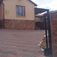 3 bedroom house in Mahube Valley for sale