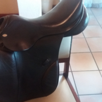 JC 17.5 inch saphir jump saddle
