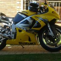 suzuki 750 k2 superbike