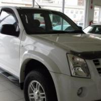 2012 ISUZU KB 250D-Teq double cab LE 4x2  only 85000 km