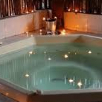 Purchase a quality Jacuzzi for you and the family this Summer!