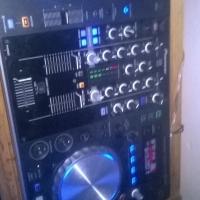 Pioneer XDJ r1 and Numark Idj Pro
