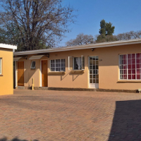 Studio Rooms to rent with own bathroom, semi-furnished (TUKS)