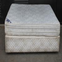 Queen Size Bed S021804A #Rosettenvillepawnshop
