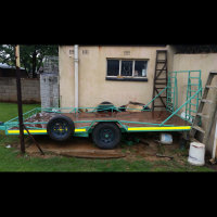 SINGLE AXLE CAR TRAILER TO SWOP FOR FORD V6 PLUS 5SPEED GEARBOX