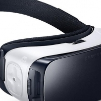 Samsung Galaxy S7 Edge including Gear VR Headset for sale