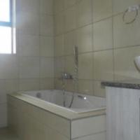 3bed 2bath townhouse R6800 in Reyno Ridge