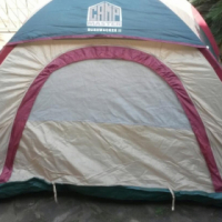 CAMPMASTER BUSKWACKER DOME 2 TENT. New Demo tent in excellent condition.