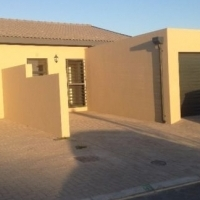 Modern 3 Bedroom townhouse R13000pm