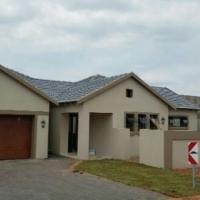 STUNNING HOUSE IN UPMARKET ESTATES IN MONTANA - 3 BEDROOM 2 BATHROOM 2 GARAGES