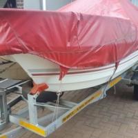 Wit blits boat