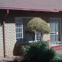 3 Bed / 2 bath T/House in DieWilgers To let