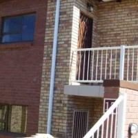 3 Bedr townhouse on top level in popular Lilyvale, Bfn