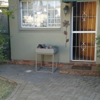 Furnished garden flat to let In Vaal park, 5 kms from Sasolburg.