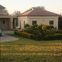 Studio in Mooikloof estate
