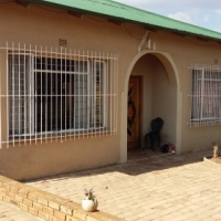 Big & Spacious Family Home with Flat Let in Krugersdorp West
