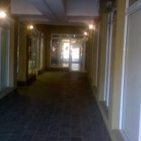 Office to let: 50 m2. R3500.00 per month Neptunes Terrace SHOP 21
