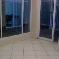 Office to rent: 49 m2. - Immediately available. Neptunes Terrace SHOP 8