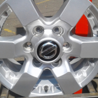 Nissan Hardbody mag rims in good condition