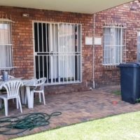 Centurion 2 bedroom townhouse with garden from 1 Feb