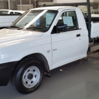 Colt 2.0 Petrol Hi-Line with DROP SIDE BIN