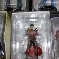 8 DC Chess Figurines, 3 DC Classic Figurines and 1 Marvel Figurine.