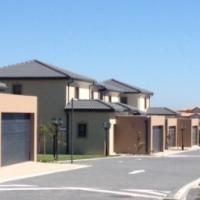 R14,900 per month: Parklands, Cape Town.