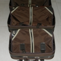 set of 4 suit cases