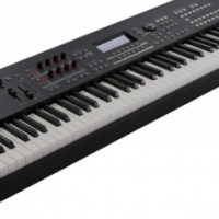 YAMAHA MOXF8 88-KEY KEYBOARD/SYNTHESIZER W/USB/MIDI AUDIO INTERFACE