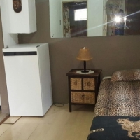 Garden flat cottage to rent in Randpark furnished