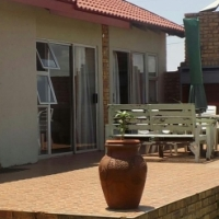 *Great opportunity* 4 bedroom house for sale in Bronkhorstbaai dorp