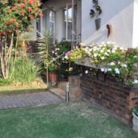 For Sale 2 bedroom Townhouse R685,000 in Erasmuskloof, Pretoria East
